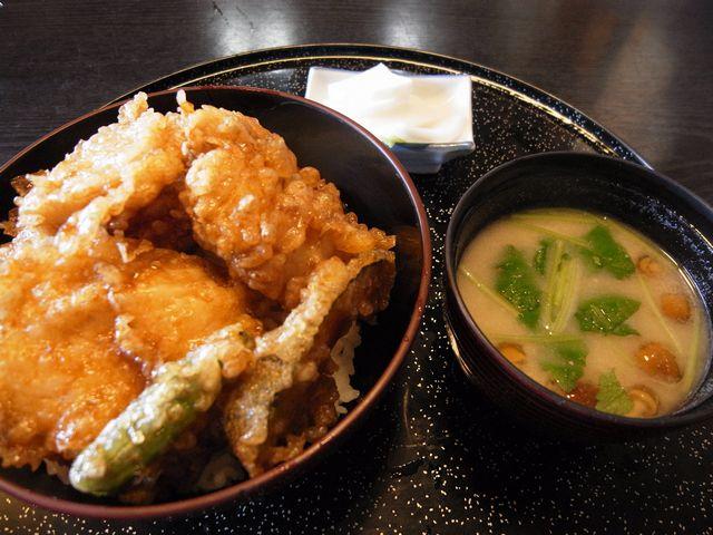 なまず丼(ますや/吉川市)