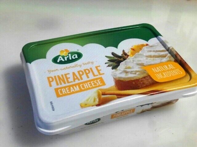 パイナップル入りクリームチーズ