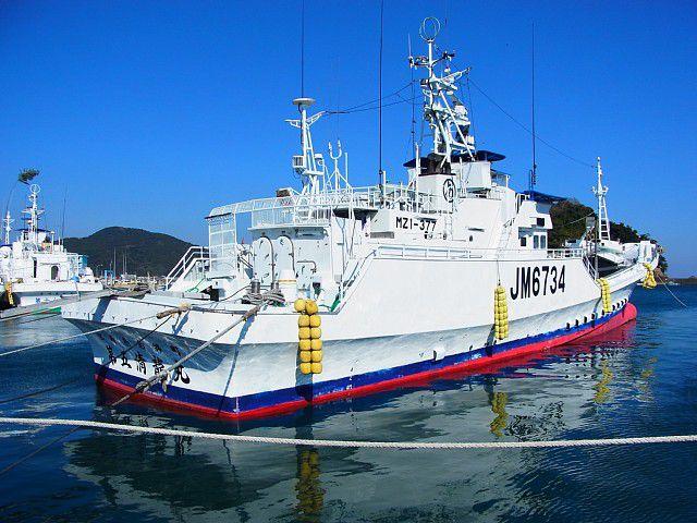 油津港の漁船