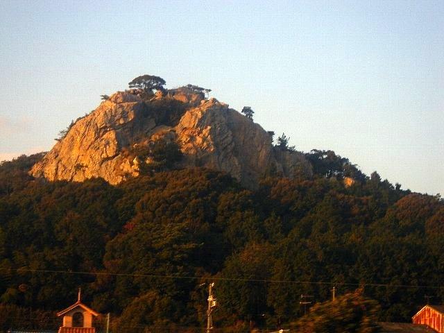 雲谷町の立岩