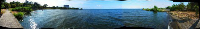 長浜城址から琵琶湖を望む