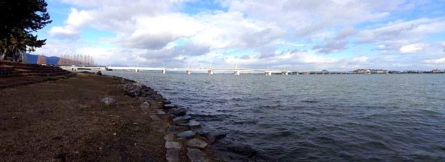 膳所城より琵琶湖・近江大橋を望む