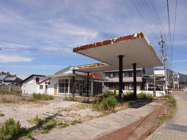 猪苗代町 廃ガソリンスタンド