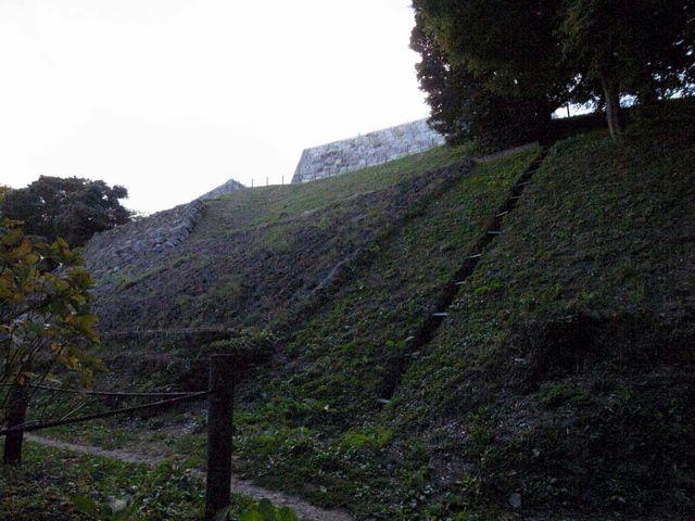 二本松城 本丸下南面大石垣