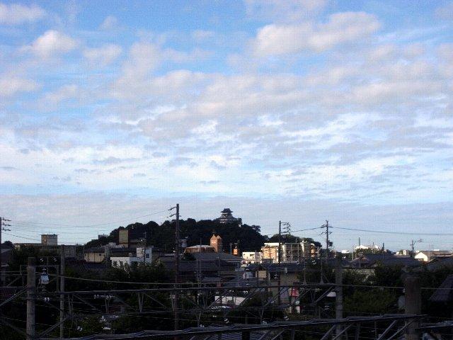 犬山城 鵜沼駅空中歩道より 2017 年 8 月