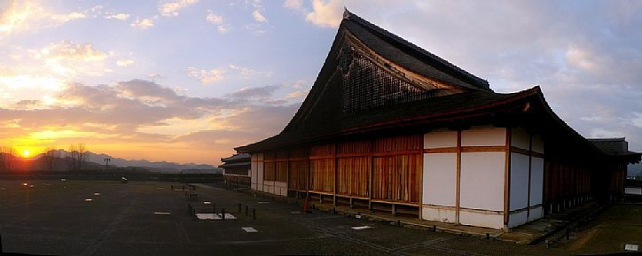 篠山城 復元大書院と夕日