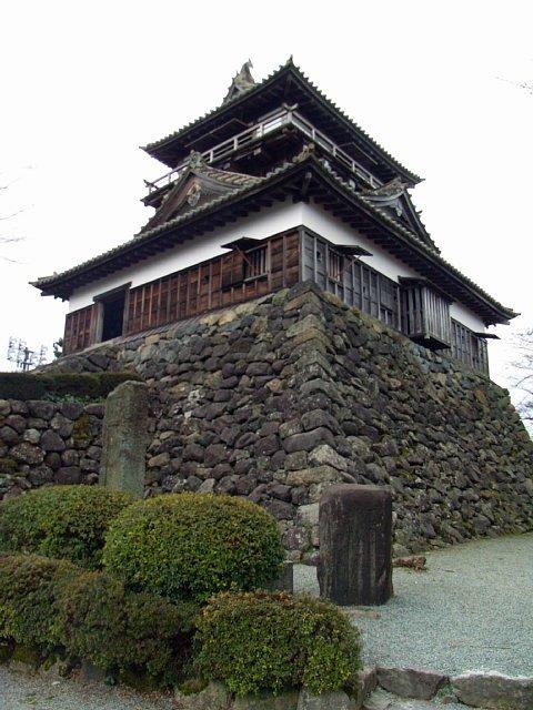 maruoka_castle_00.jpg