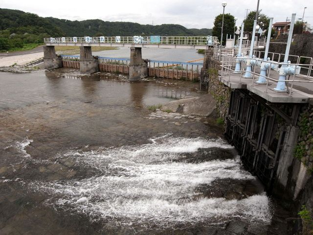 羽村取水堰(投渡堰)