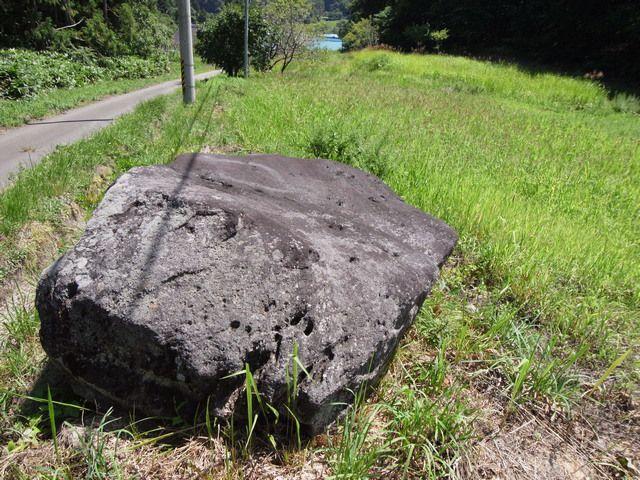 金堀集落 謎の巨石