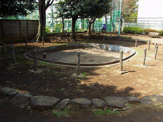 猿楽街住居跡公園