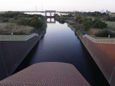 荒川第一調節池水門