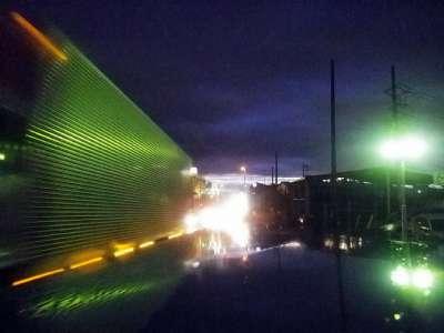 車道の夜景