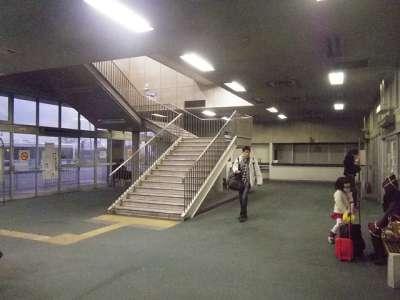 かもめフェリーターミナル行き_バス待合所