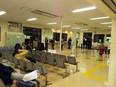 小倉港フェリーターミナル待合室