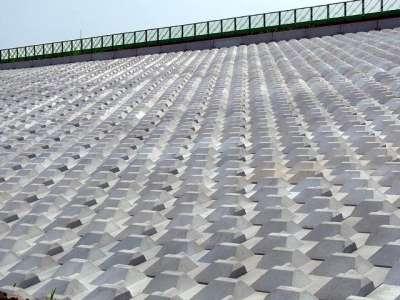 幾何学的な法面保護ブロック