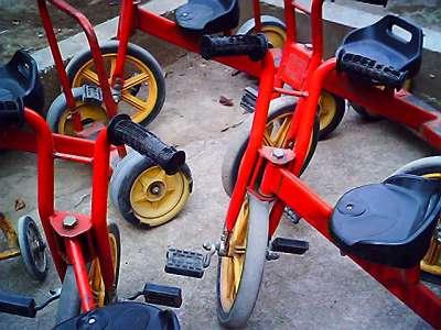 保育所の三輪車