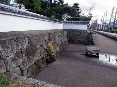 膳所城 本丸西側 復元石垣と塀