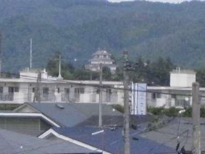 城南の跨線橋から見た天守