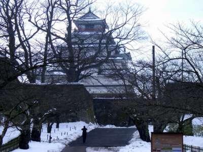 会津若松城 椿阪から見た天守