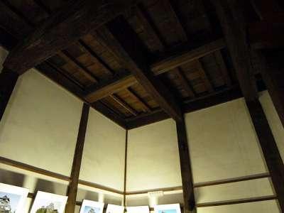 犬山城 天守二階 天井が高い 2017 年 8 月