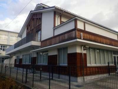 亀山中学校(亀山城黒門跡)