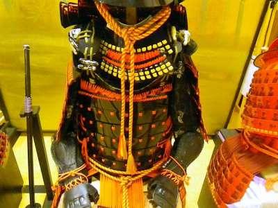 篠山城 市内在住の男性が厚紙で作った甲冑