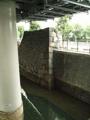 江戸城 首都高下に残る石垣