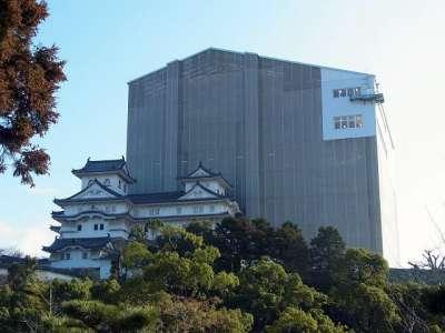 姫路城 天空の白鷺と小天守