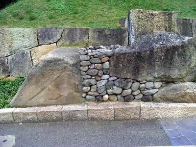 姫路城 石垣断面