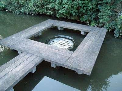 姫路城 ダム穴?