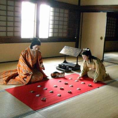 姫路城 西の丸櫓 貝合わせ(遊戯)の様子