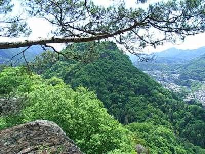 岩殿山城 兜岩からの眺め