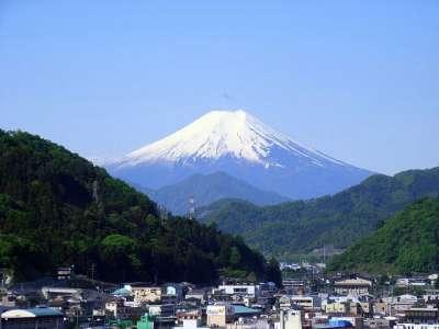 岩殿山 中腹より富士山を望む