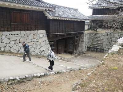 伊予松山城 左から乾門東続櫓・乾門・乾櫓