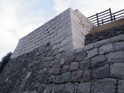 丸亀城 復元石垣