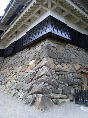松本城 石落と天守台