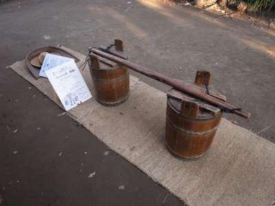 杉並区郷土博物館 天秤棒と肥桶