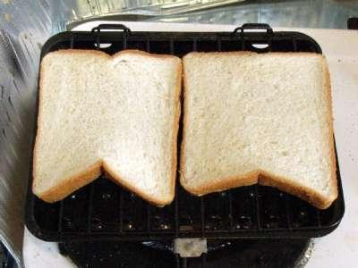 トースターを使わず食パンを焼く
