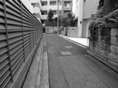 オバケ階段(文京区 根津)