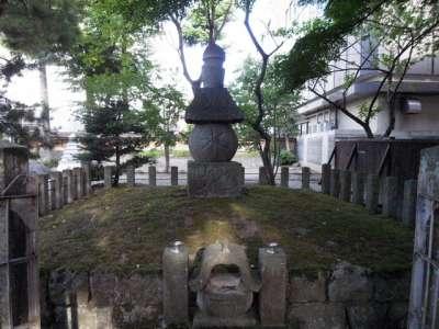 蒲生氏郷墳墓の地