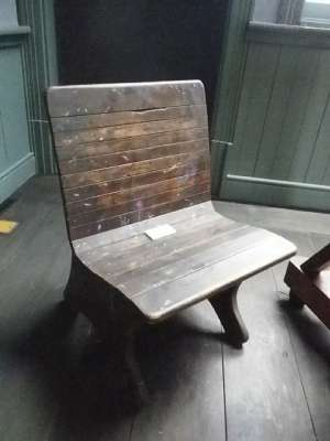 中村彝アトリエ記念館 椅子