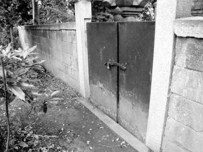 上野動物園 藤堂家墓所