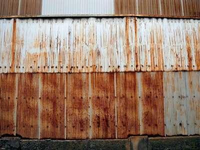 東洋シャーリング工業の壁